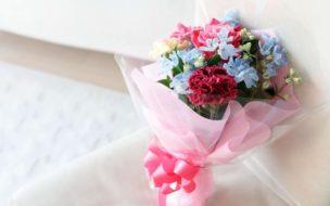 卒業する先輩へのプレゼントといえば、やはり花束が定番!
